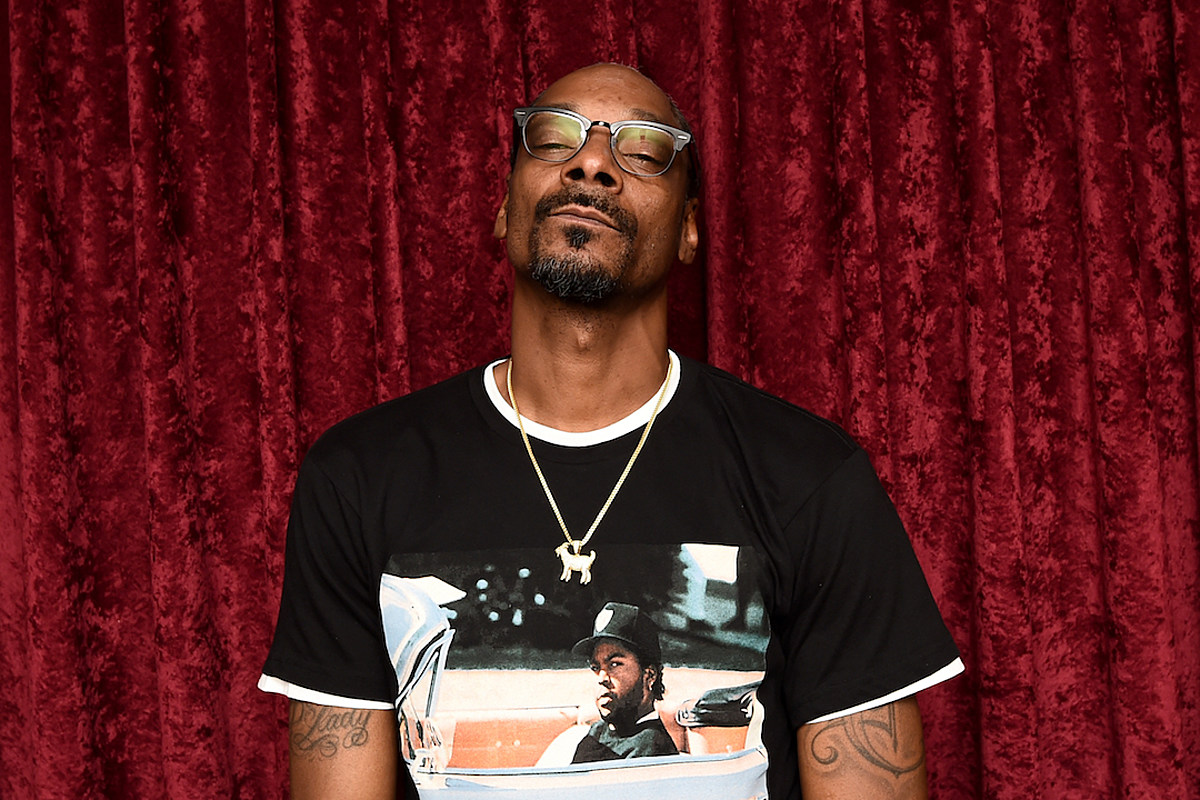 """46b26fba Snoop Dogg on Lakers' Season: """"Get a Slave Ship, Ship All Them Sorry  Muthaf@!kas Out"""""""