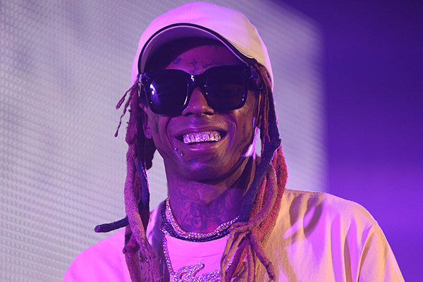 Fans Go In on Lil Wayne for 2019 CFB Championship Outfit - XXL