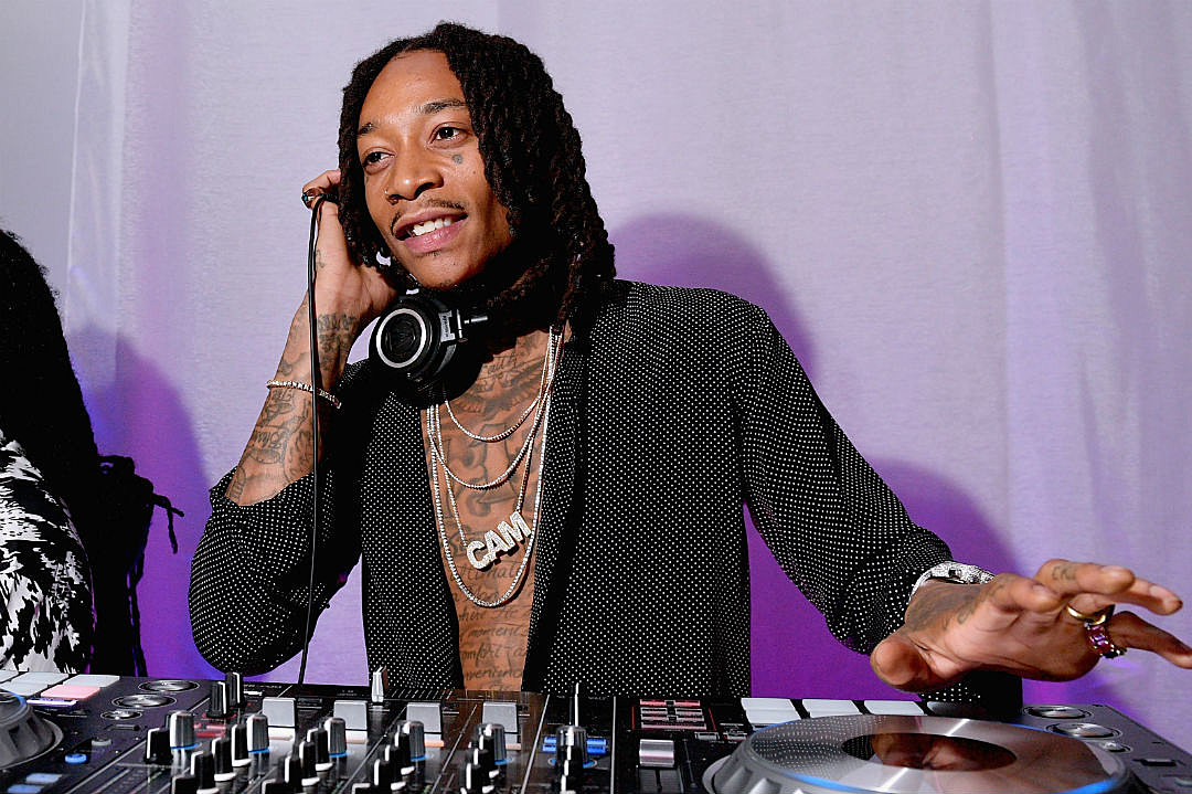 Wiz Khalifa Wears Chain With Winnie Harlows Name Xxl