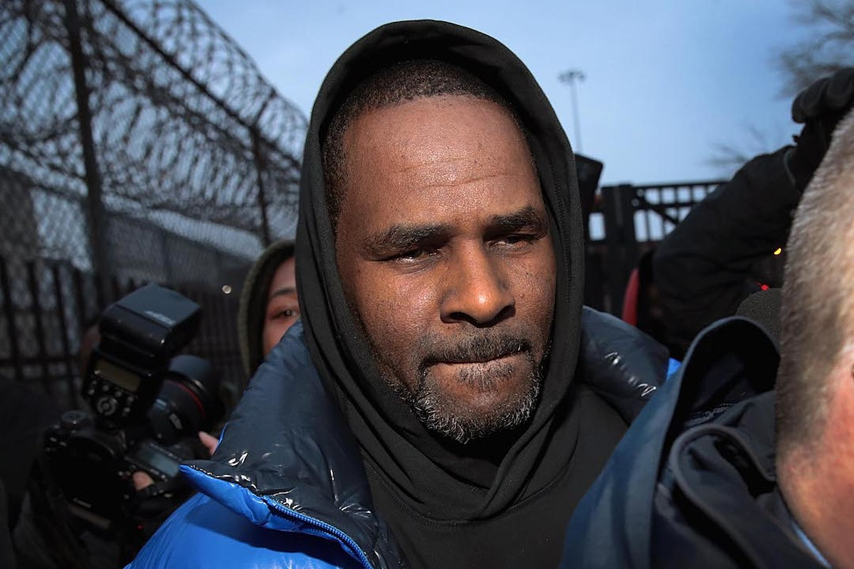 R  Kelly Arrested on Federal Sex Crime Charges: Report - XXL