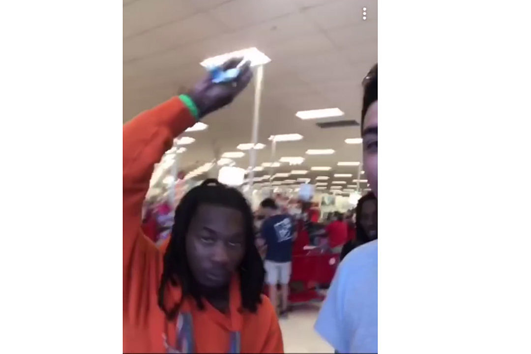 Offset Smacks Phone Out of Fan's Hand: Watch - XXL