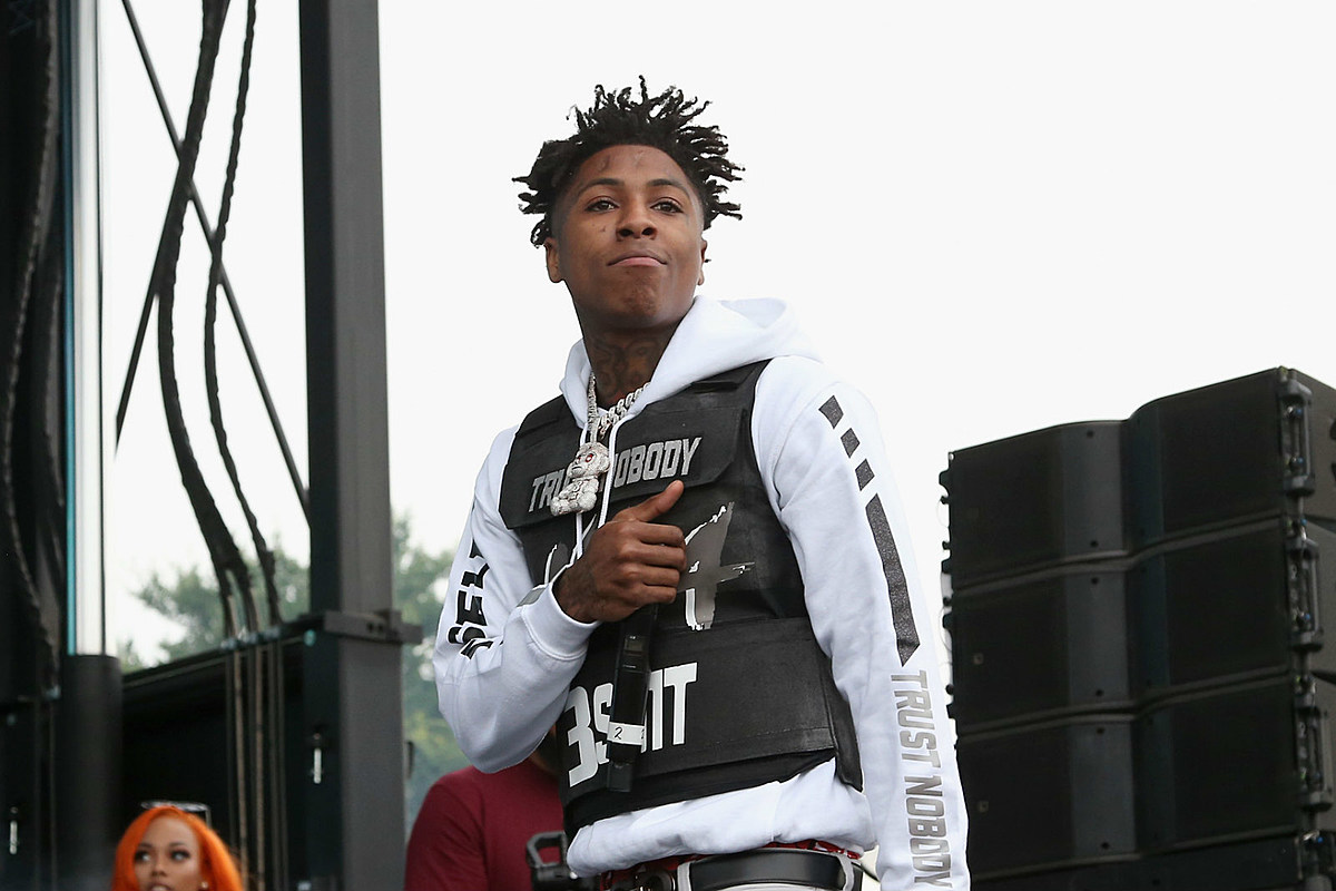 YoungBoy Never Broke Again Surprises Fan With $1000 in Diaper - XXLMAG.COM