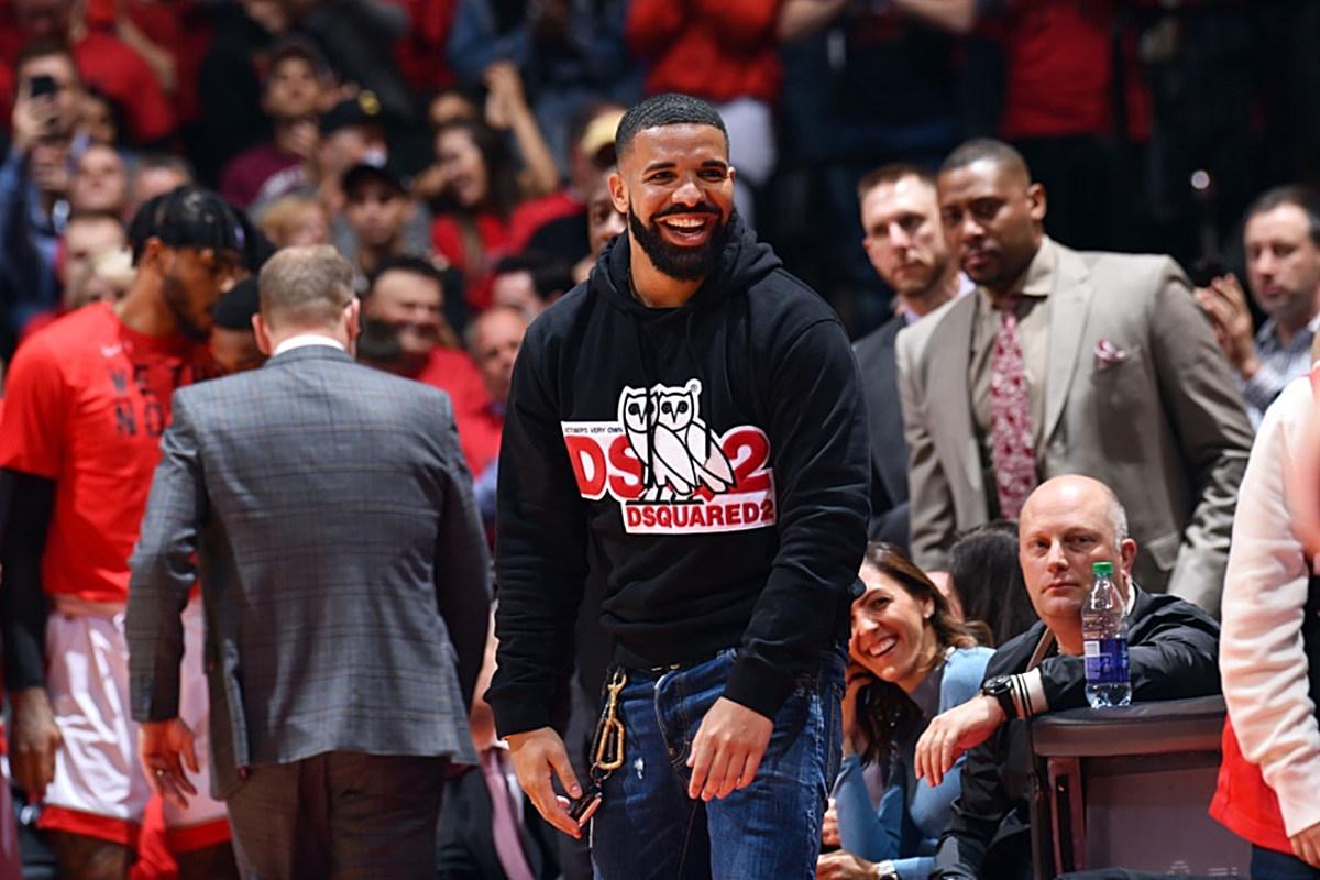 3cfc1eeece8 Toronto Raptors Gift Drake a $550,000 Jacket - XXL