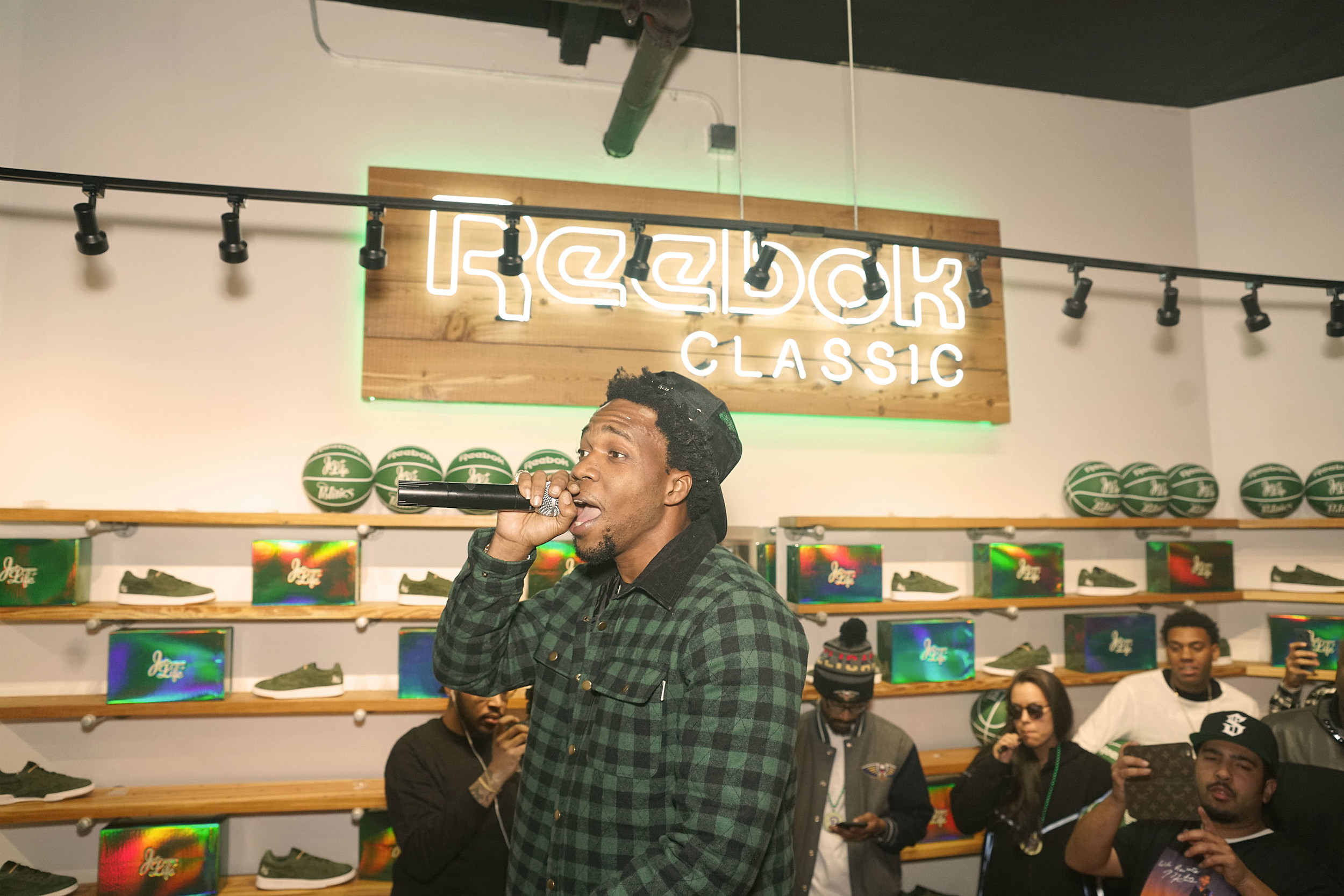 https://townsquare.media/site/812/files/2019/06/currensy-2009-freshman.jpg