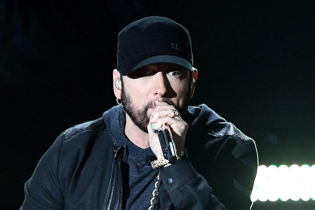 Eminem và #GodzillaChallenge, thách fan rap được nhanh như anh