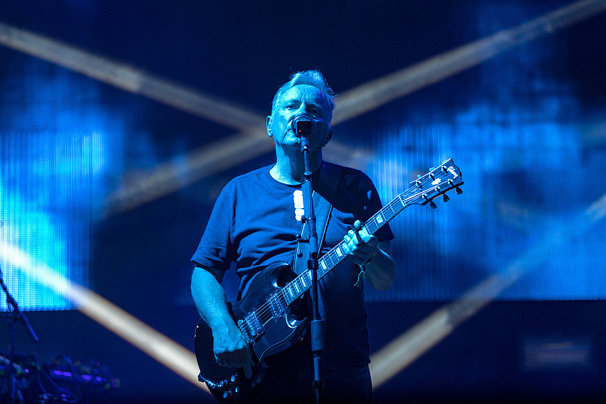 """New Order's Bernard Sumner recovering from COVID: """"It seems like Russian roulette"""""""