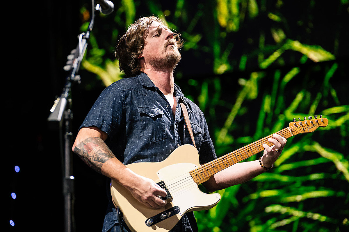 Sturgill Simpson cancels upcoming shows