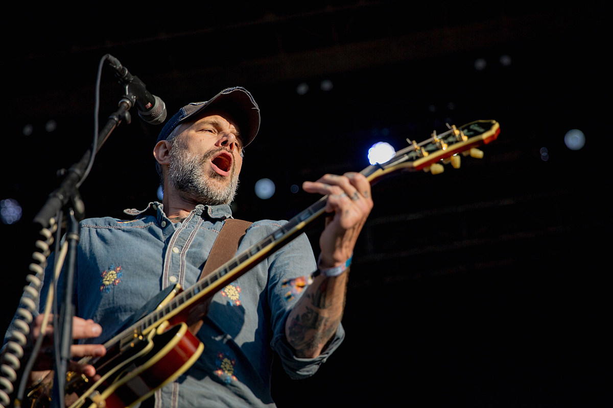 Today's Livestreams (Lucero, Laura Jane Grace, Suede, more)