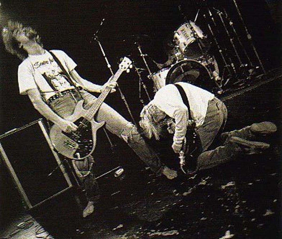 15 classic grunge & alternative rock concert videos to watch right now