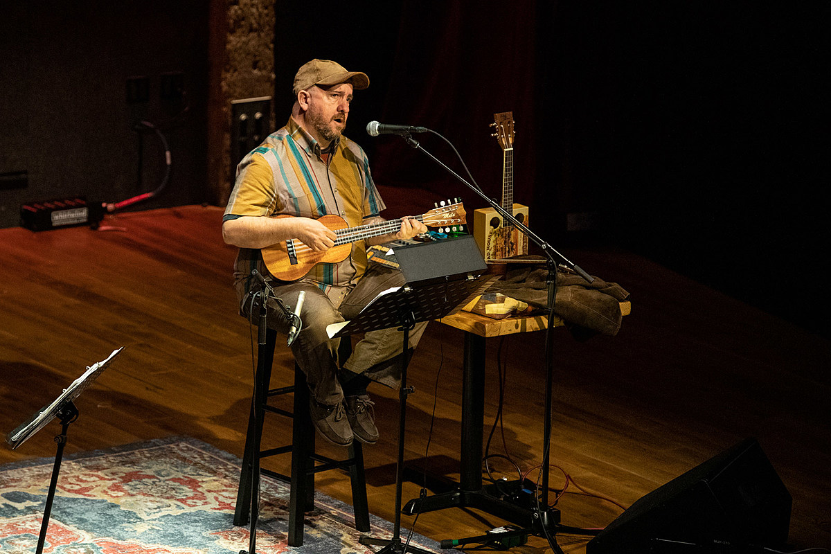 Magnetic Fields' Stephin Merritt played the reopened City Winery (review & pics)