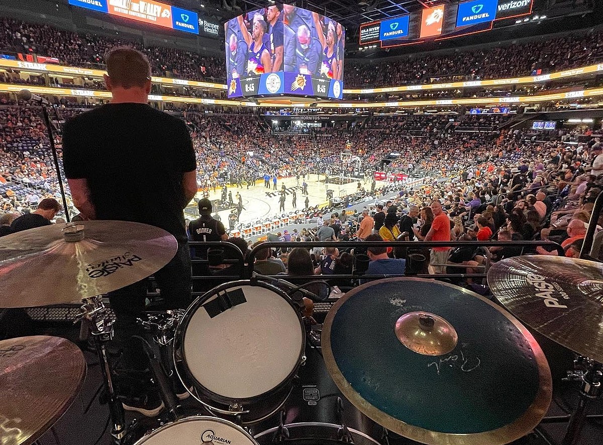 Gin Blossoms troll back after Nuggets fan hated on the Suns for booking them for halftime show