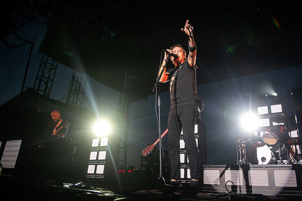 Rise Against, Descendents & Spanish Love Songs played Pier 17's first show back (pics, review)