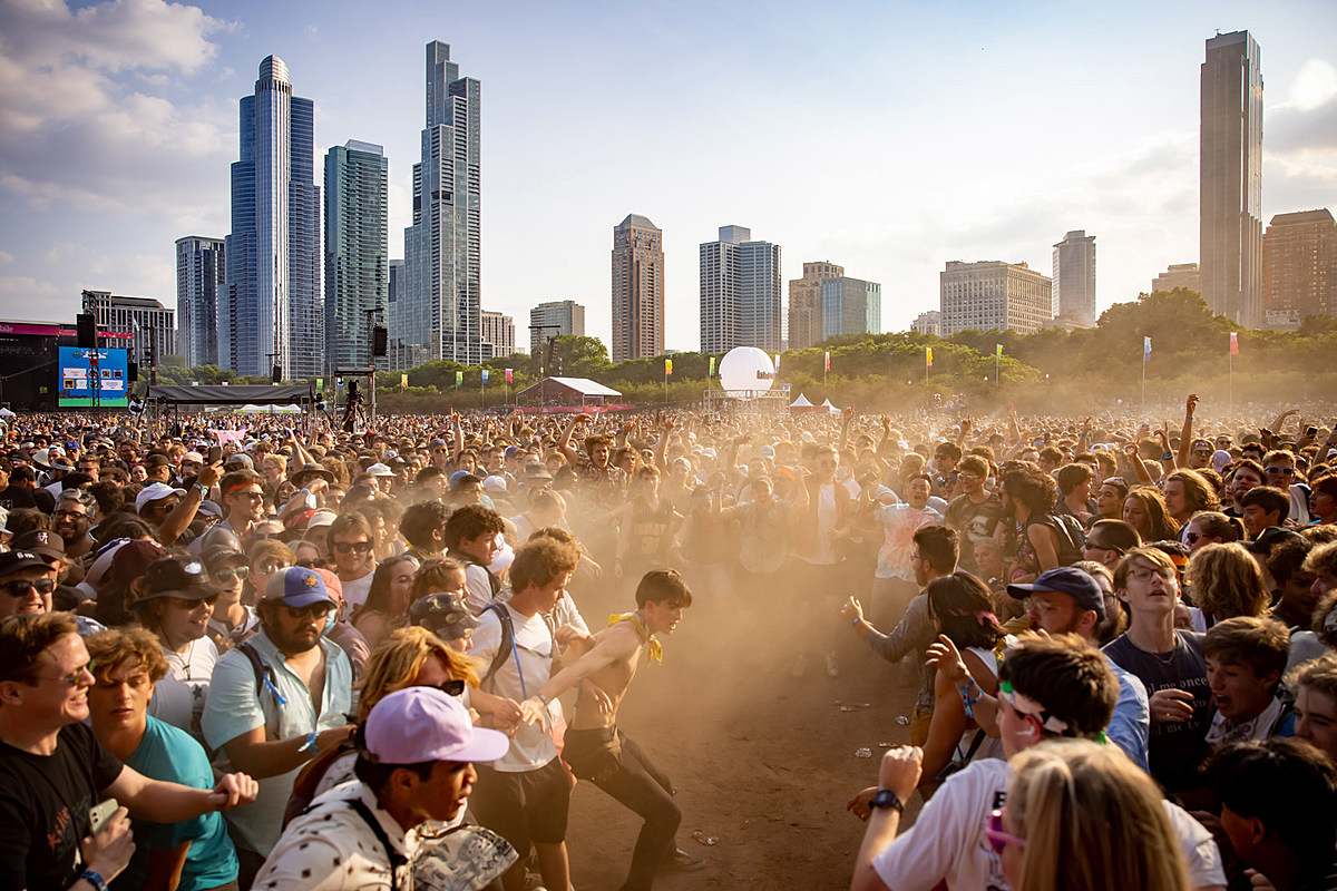 Lollapalooza 2021 Saturday pics & video (Megan Thee Stallion, Post Malone, Limp Bizkit, more)