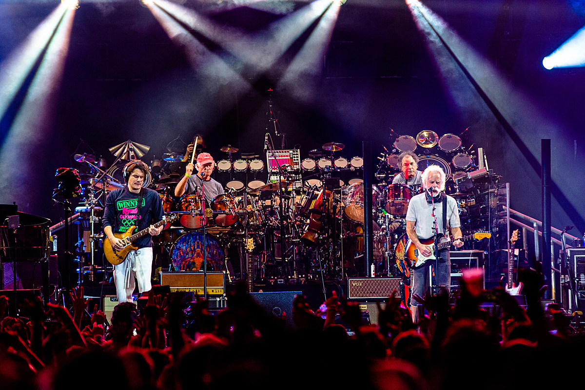 Dead & Company played 2 nights at Wrigley Field (pics, videos, setlists)