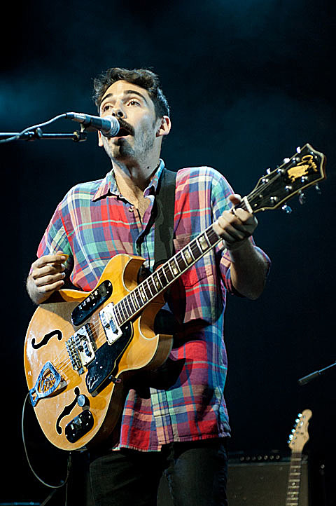 Local Natives - Austin Music hall - 12/04/2011