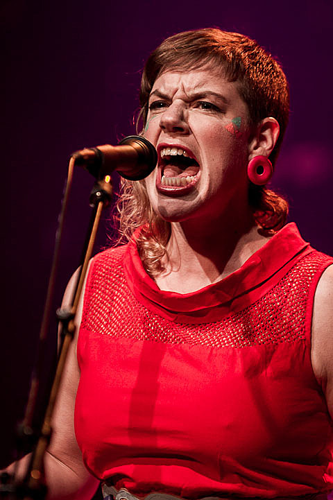 tUnE-yArDs @ The Moody Theater - 5/29/2012