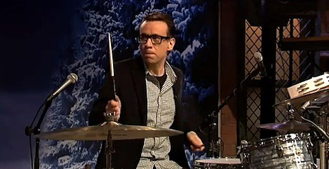 fred-armisen-questlove-drumoff