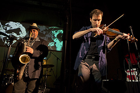 A Night Of Improvised Round Robin Duets