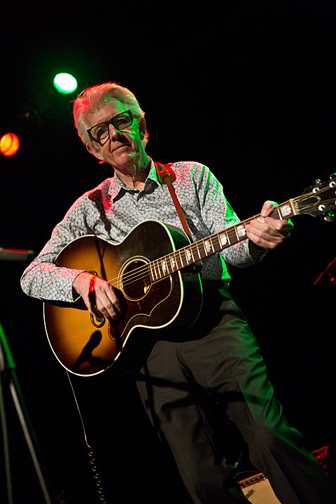 Nick Lowe's Quality Holiday Revue featuring Los Straitjackets