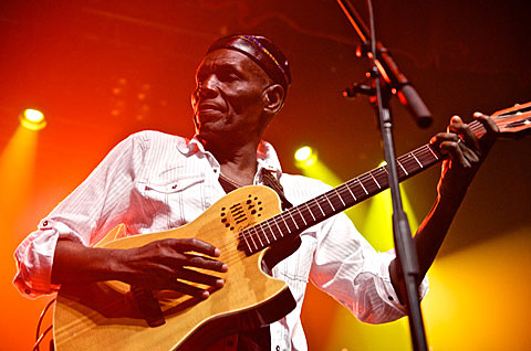 Oliver Mtukudzi & the Black Spirits