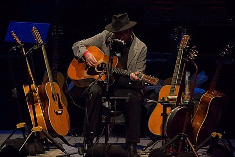 neil-young-chicago-theatre-007