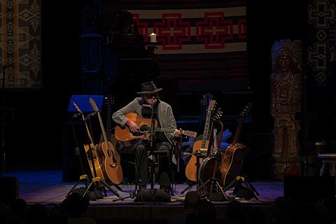 neil-young-chicago-theatre-010