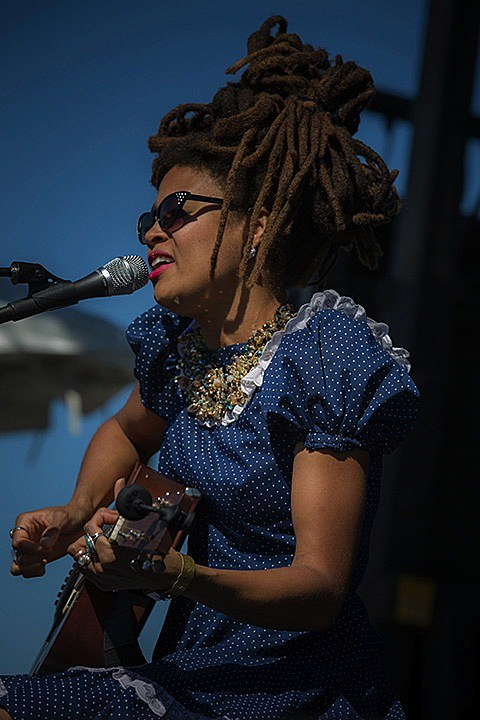 valerie-june-003