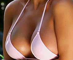 Awesome Cleavage Pics