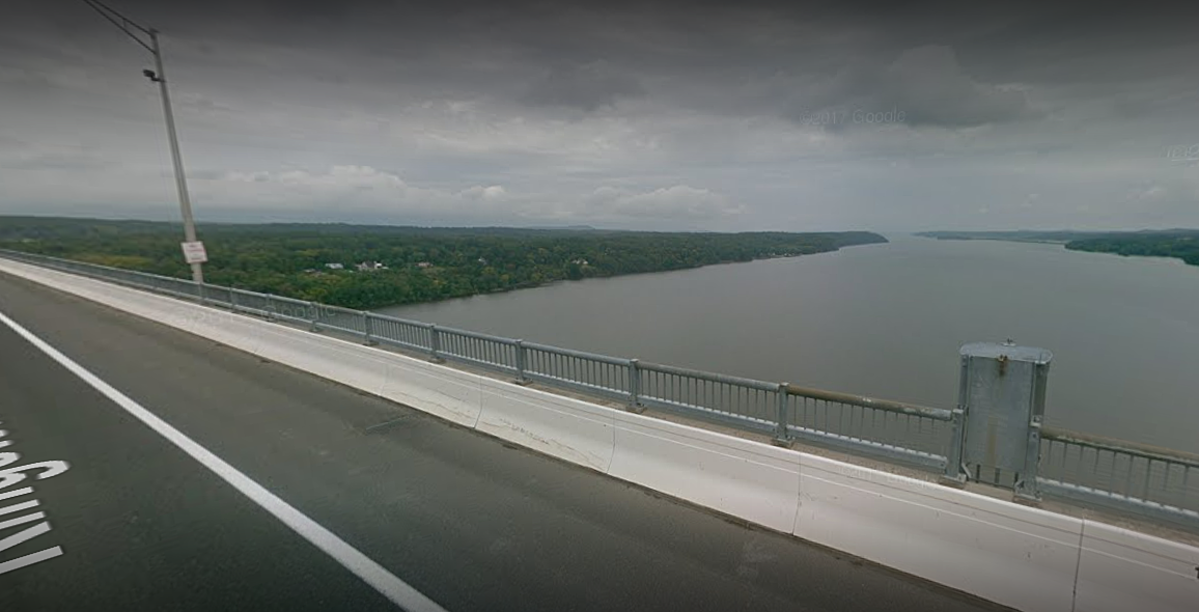 Hudson Valley Man Dies After Jumping From Bridge on New Year's Day, Police Say