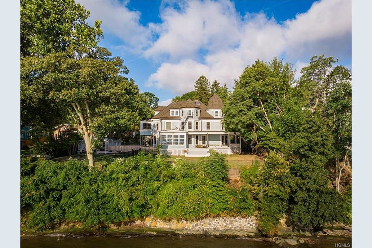 PHOTOS: Sneak Peek At Legally Haunted Lower Hudson Valley Home