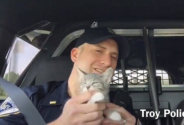 Troy Police Officers Do Carpool Karaoke With Police Cat [VIDEO]
