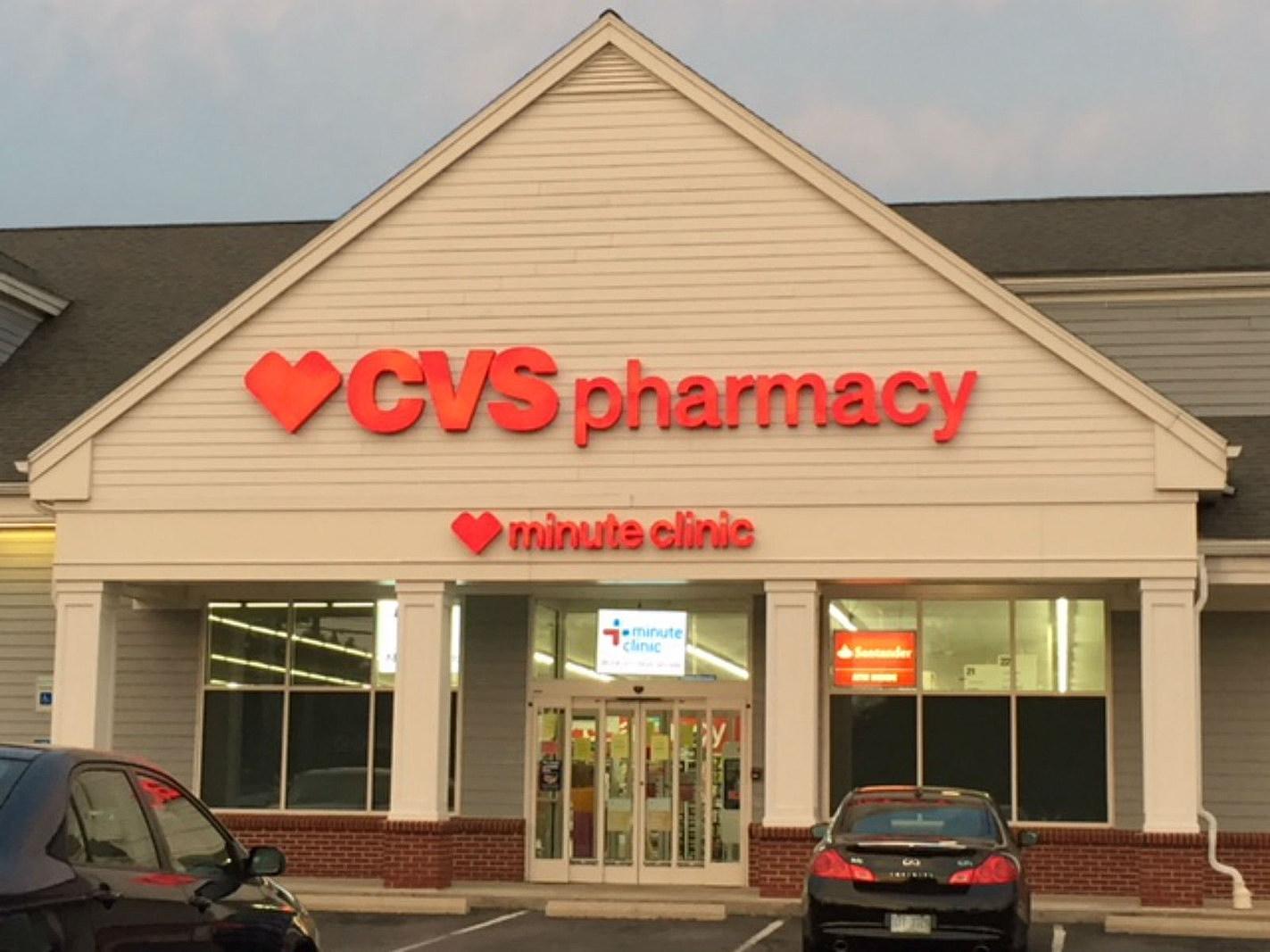 Mass. Walgreens & CVS Pharmacies Launching COVID Vaccine Sites
