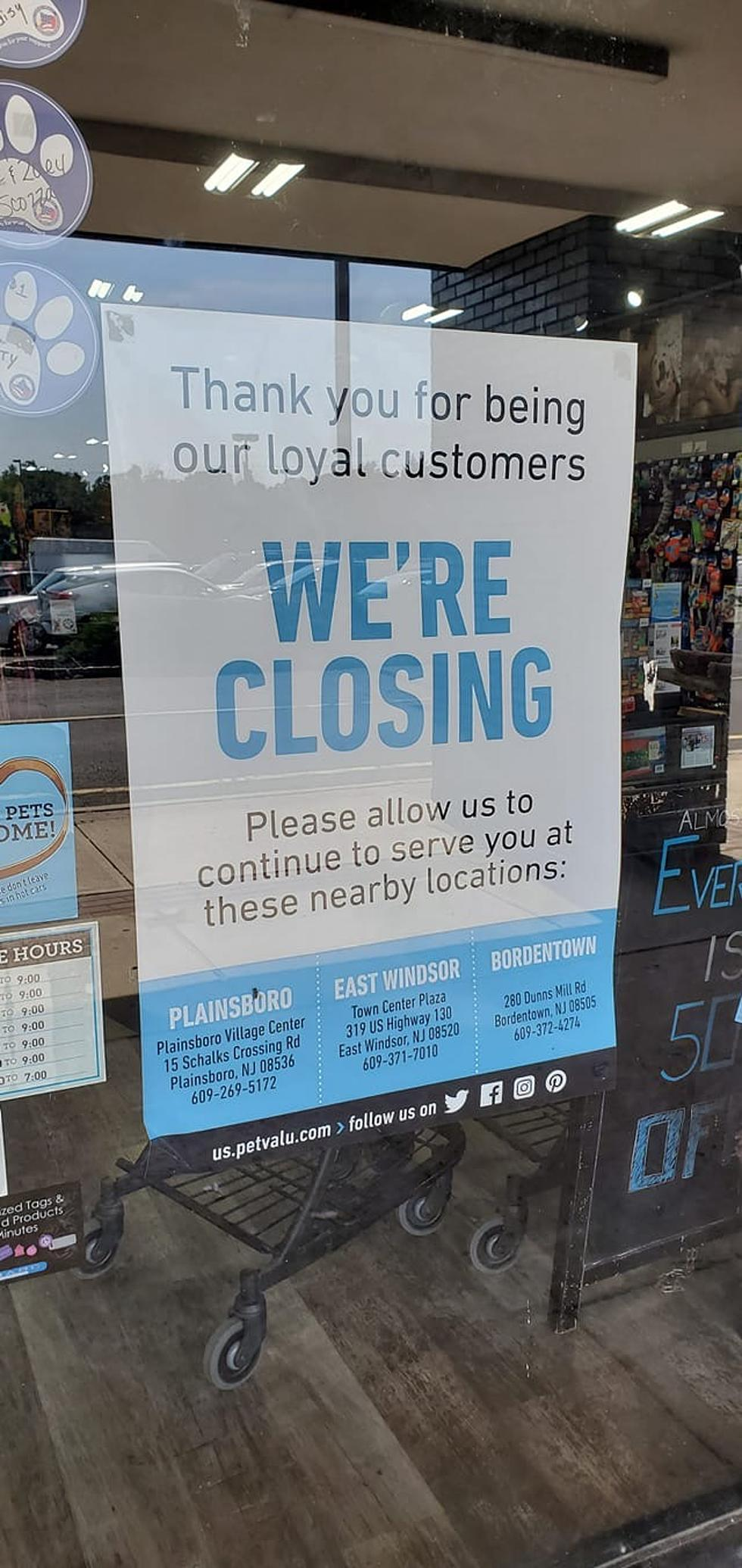 Pet Store Closing In the Lawrence Shopping Center on