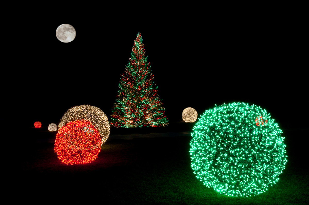 Holiday Attractions You Must See In Philadelphia - 94.5 PST