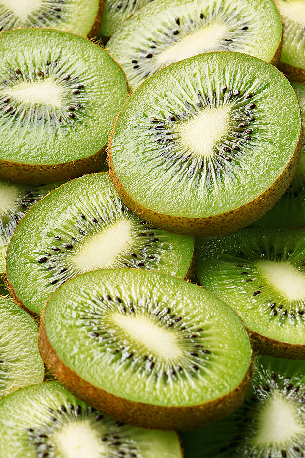Full Frame Shot Of Kiwi Slices