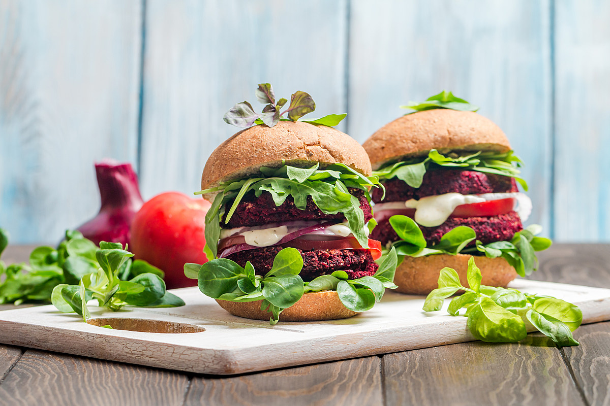 How to make a Healthy Veggie Burgers with savory ingredients