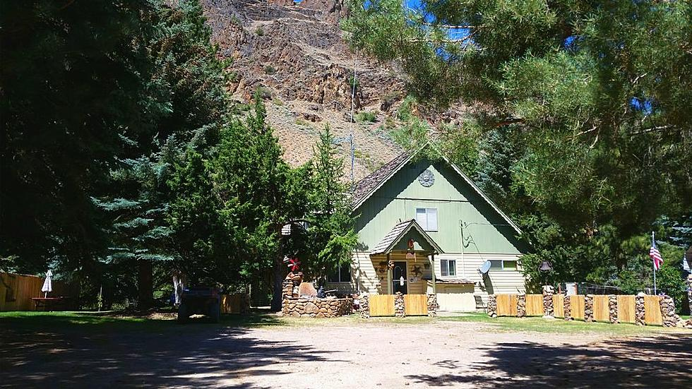 Hunting Lodge In Northern Nevada Mountains Is Dreamy